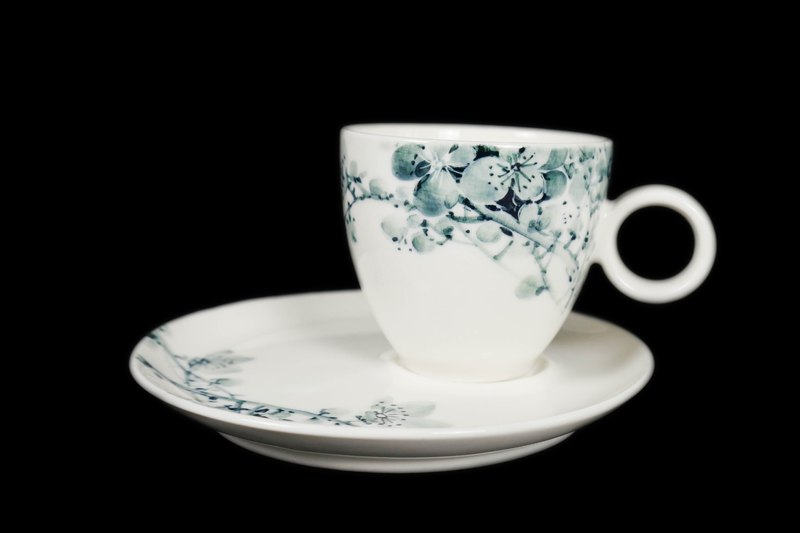 Spruce Plum Flower Tea Cup & Saucer Set