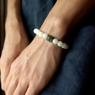 Green jade with pure white jade bracelet Bodhi 8mm put down to return to purity