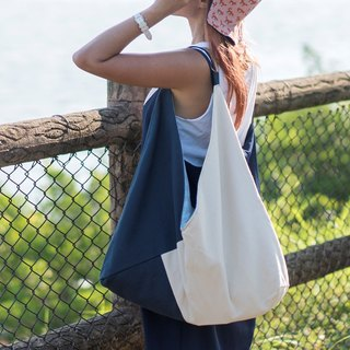 Stay strong trinity canvas bag LARGE ivory/navy