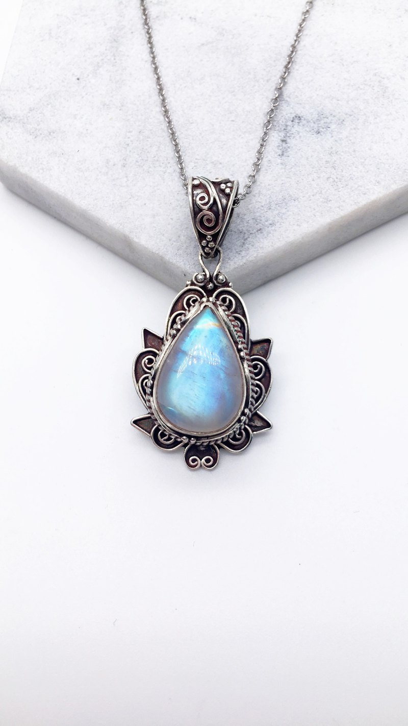 Moonstone 925 sterling silver Zen necklace Nepal handmade mosaic production