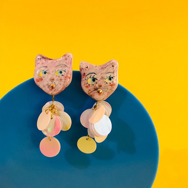 Spring and summer new sequins cat earrings double-sided hand-painted earrings 925 silver hypoallergenic can change ear clip 喵喵喵