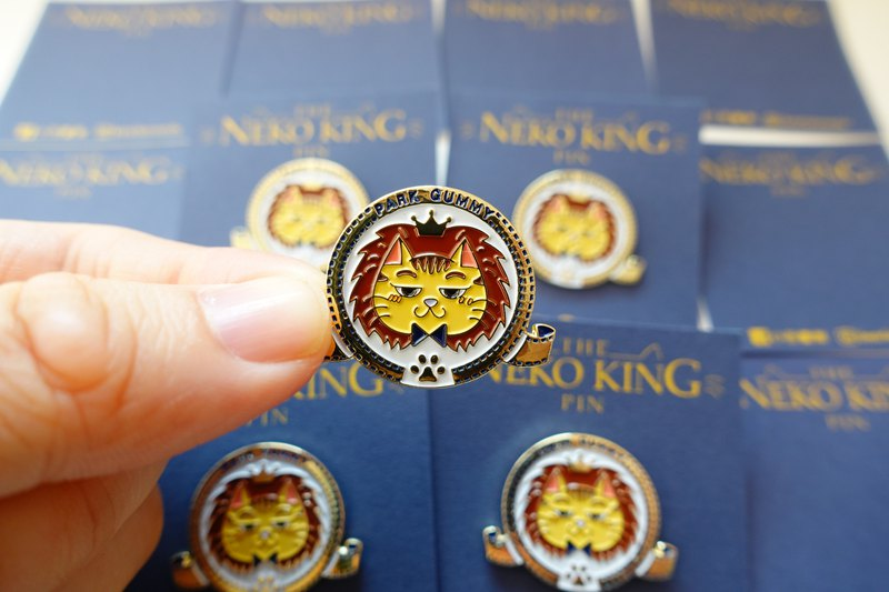 Otaru Paintings - Lion King Cat - Metal Badge