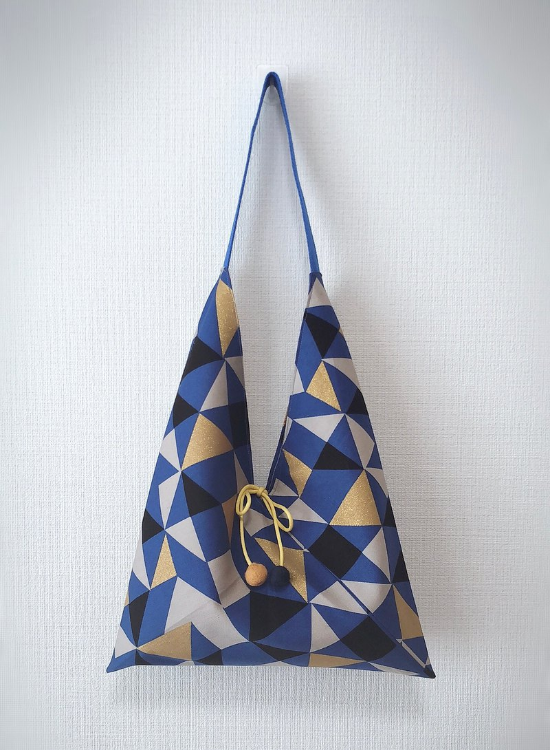 Japanese-style skull-shaped side backpack / medium size / blue gold triangle / blue and white red stitching