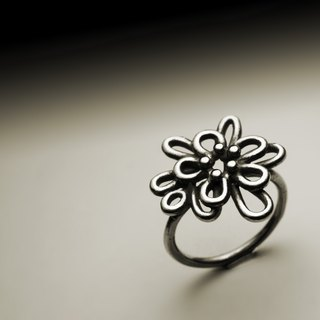 Abstract line flower ring