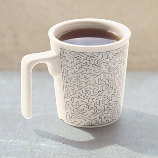 Earth Maze level4 kiss mug (good fun)
