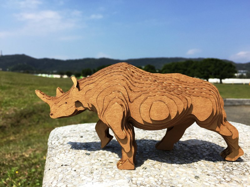 Contamo Handmade Model Wildlife Series - Rhinoceros - Medium