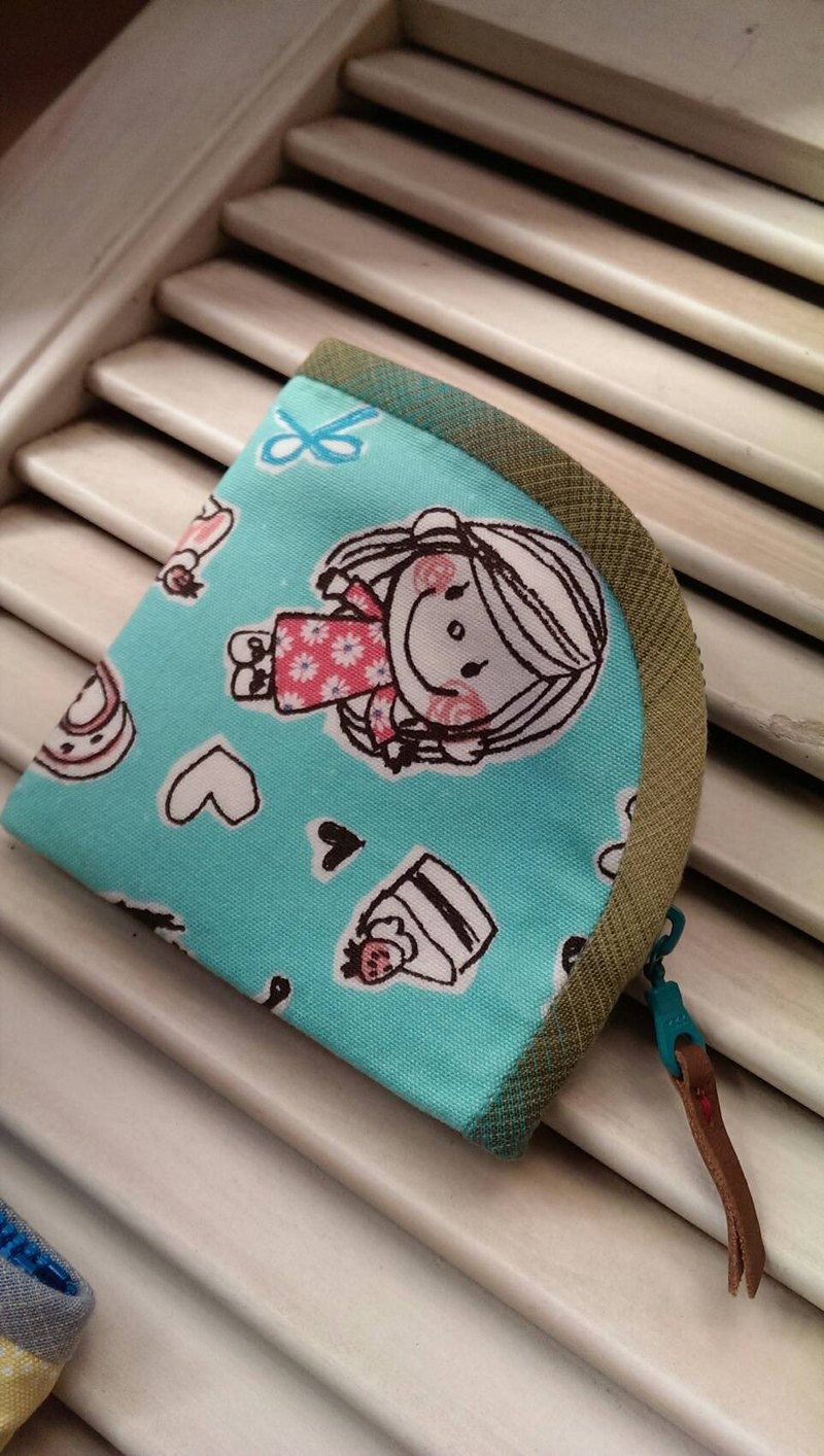 Hand pull the zipper package ~ blue green doll