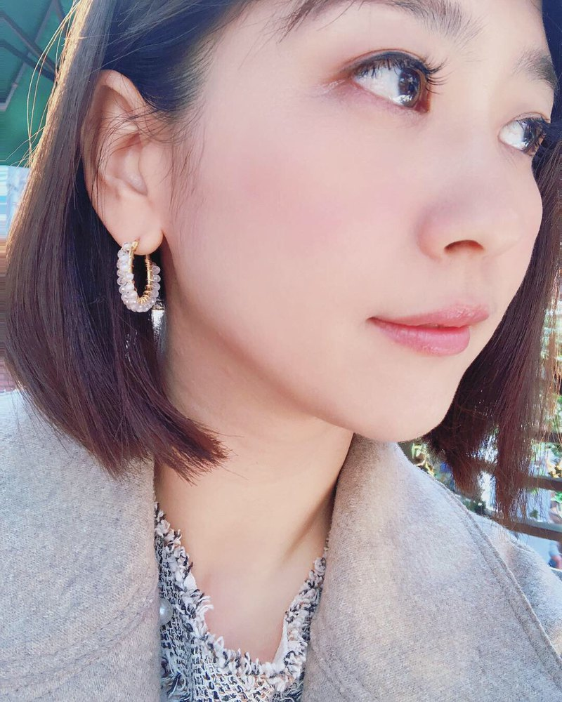 HappyCircle white crystal models │ crystal transparent white gift girls natural stone can be changed ear clip
