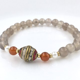 Natural chalcedony gemstone bracelet