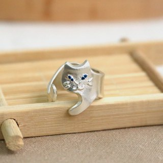 Japanese handmade ornaments - evil white cat ring
