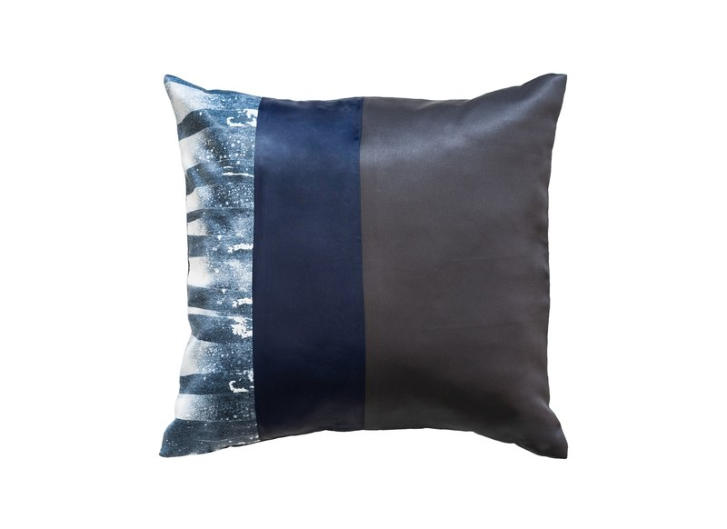 piinpillow - dark navy 16x16 inches pillow cover / 枕頭 套 / ピ ロ ー ケ ー