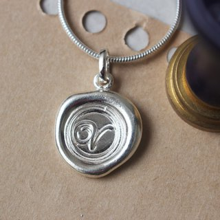 Initial Monogram V / Make a Mark Personalised 925 Silver Wax Seal Necklace