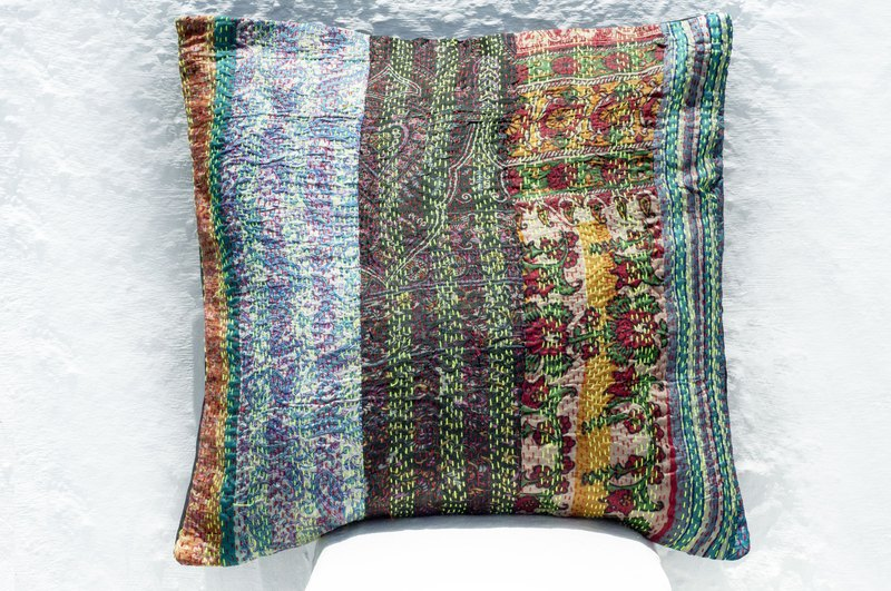 Hand-embroidered pillowcase silk hug pillowcase ethnic wind hug pillowcase-French wind patchwork flower forest