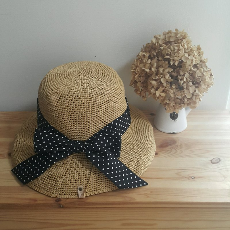 FLOPPY visor-hand-woven-beige-with black and white dot hat strap