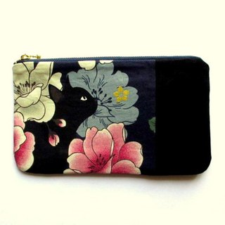 Black cat pouch F