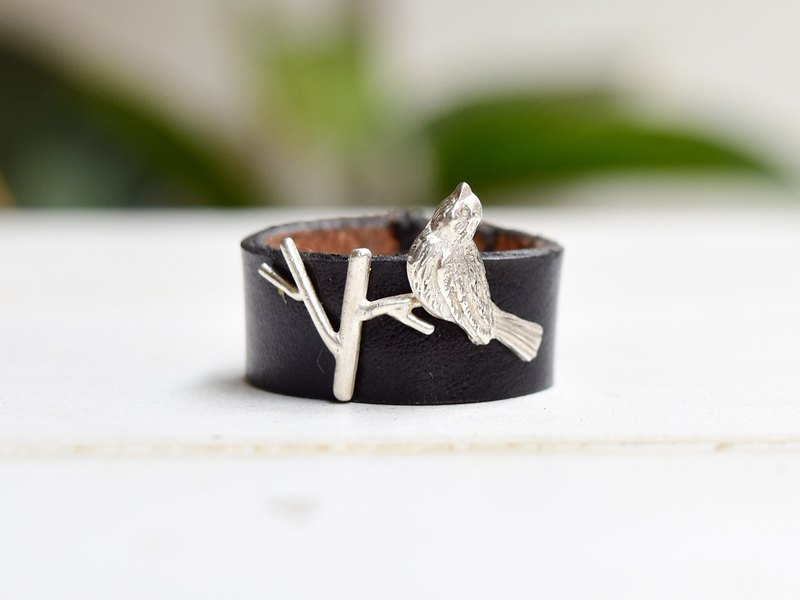 Branches birdsong black silver ring