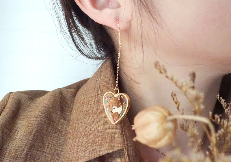 Siamese cat dry flower love gold foil hand-painted resin wave ear chain