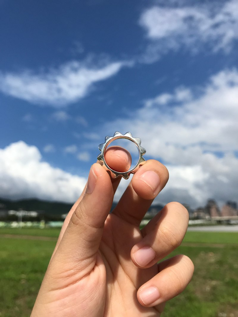 Warm you and me/sun ring/sterling silver