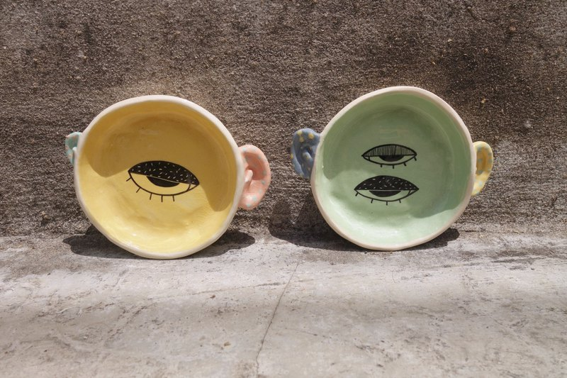 Ceramic  small plate real ear yellow and green colour paint eyes :)