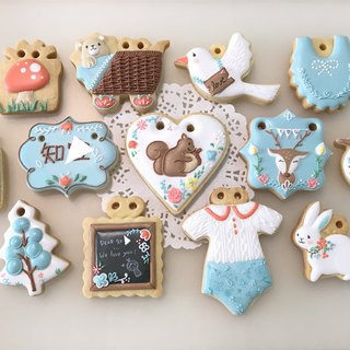 Illustrator wind forest small animal collecting biscuits 12+1 pieces
