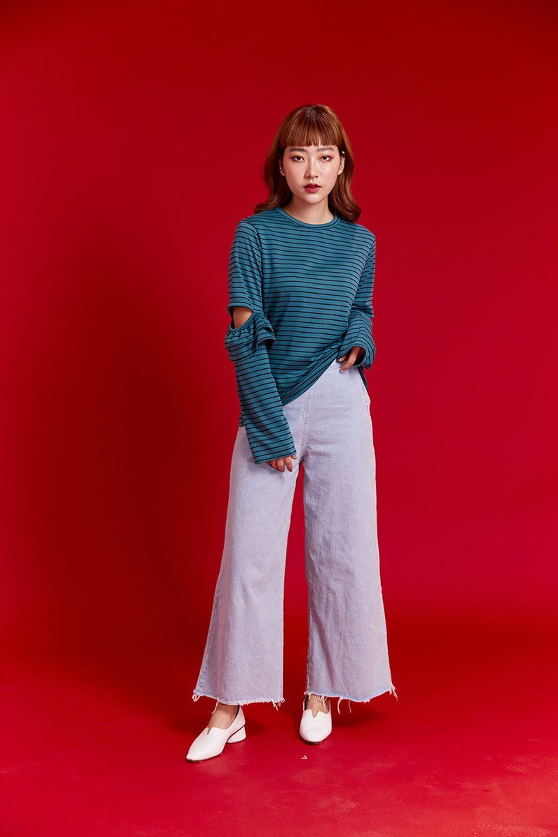 Sleeves flare cut tee (Dark Green)