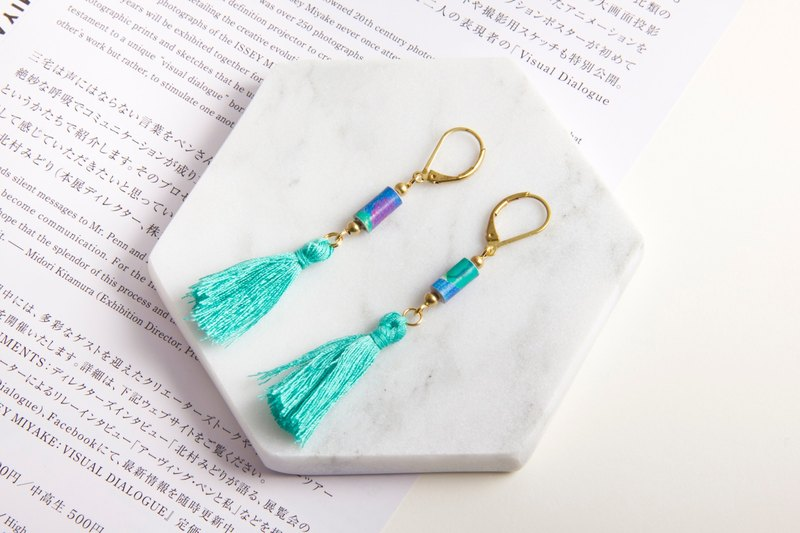 Famous series - Lake Green national wind tassel earrings