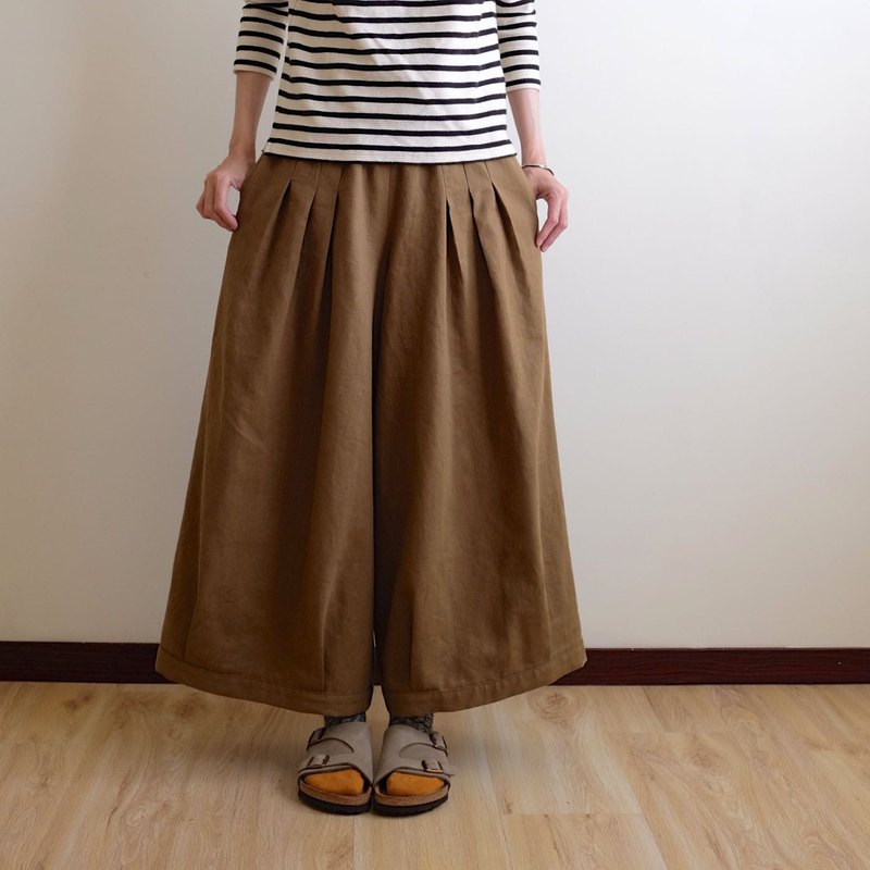 Daily hand made clothes, playful girl, olive brown, pleated wide pants, cotton