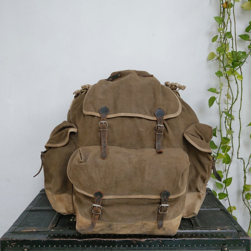 Backpack_R084