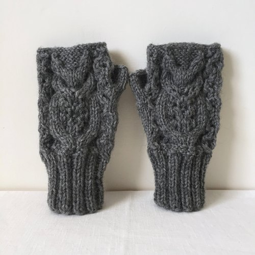 Xiao fabric - hand-woven wool three-dimensional pattern mitts - long-eared 鸮 C (spot)
