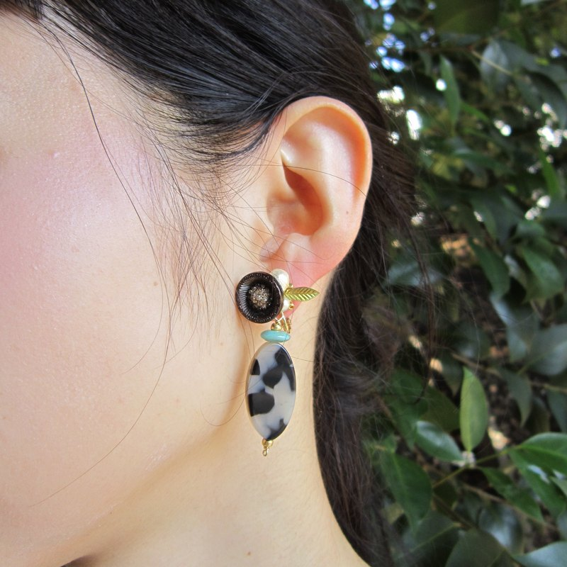 Black button flower earrings