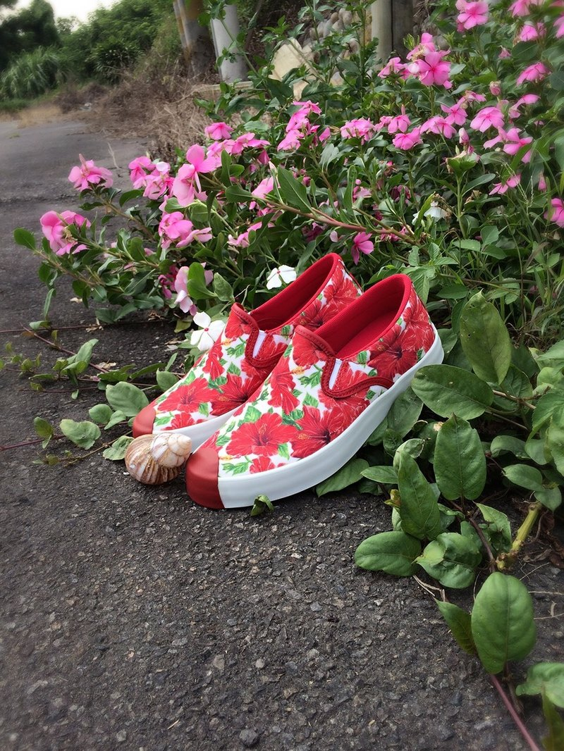PI-ZERO Sinensis Flower Slip-on
