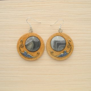Wooden inlaid earrings with agate