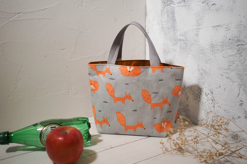 Every family wine series Bento bag / bag / limited manual bag / snow fox / stock