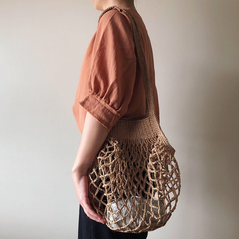Summer travel shoulder woven mesh bag khaki