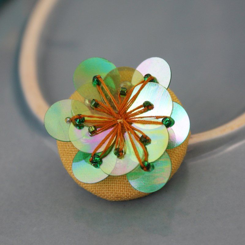 handmade green floral brooch,  round flower pin