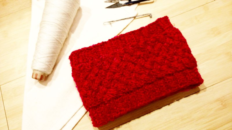 Lan hand-made knit headband (red flower yarn)