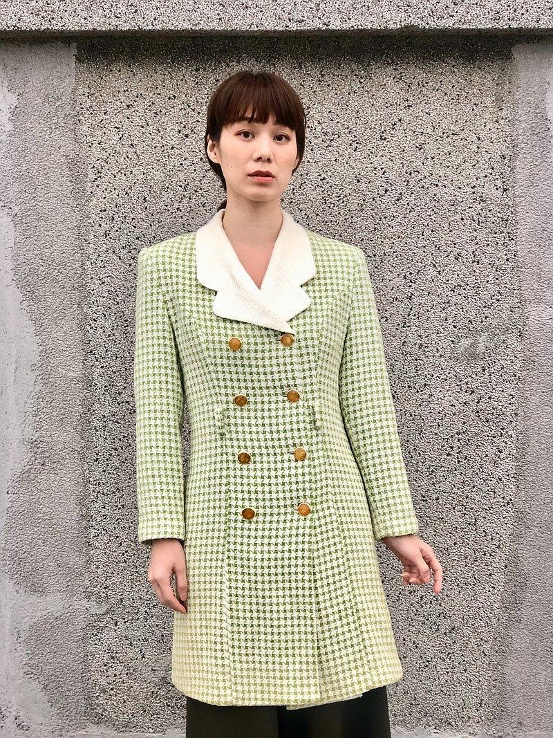綠格紋大衣