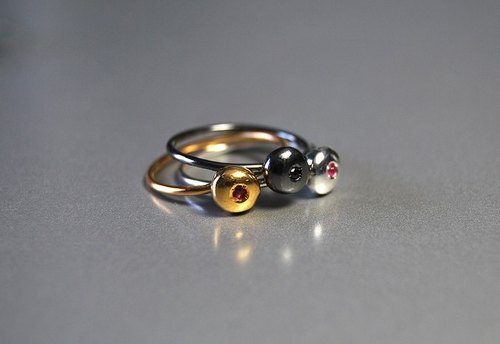 Little Pebble Gemstone tiny ruby ​​925 sterling silver diamond ring simple elegance of fine silver / gold-plated / gold-plated black and white can be customized a variety of precious stone (diamond / Black Diamond / Peridot / Sapphire / Diamond White / Pin