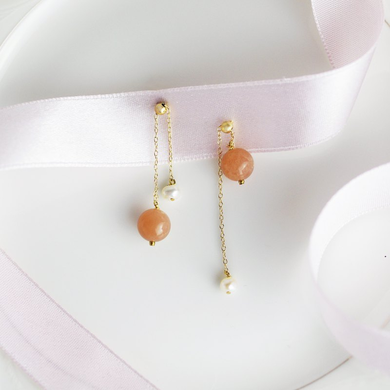 SUNSTONE BELL EARRING Sunstone Pearl Earrings