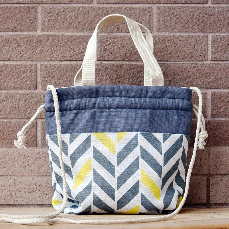 Three-in-one shoulder / cross-body / portable beam bucket bag ~ geometric pattern (A70)