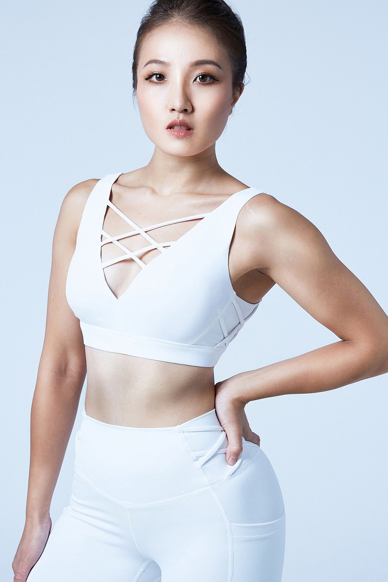[XOFFIT] Victory Queen V Band Sports Bra-Yunguang White