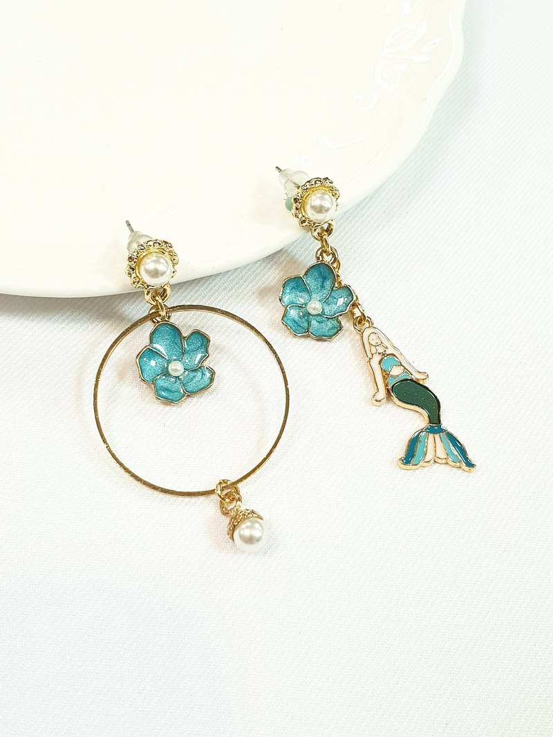 Paris*Le Bonheun. Summer mermaid. Pearl earrings (can be changed to simple clip type)