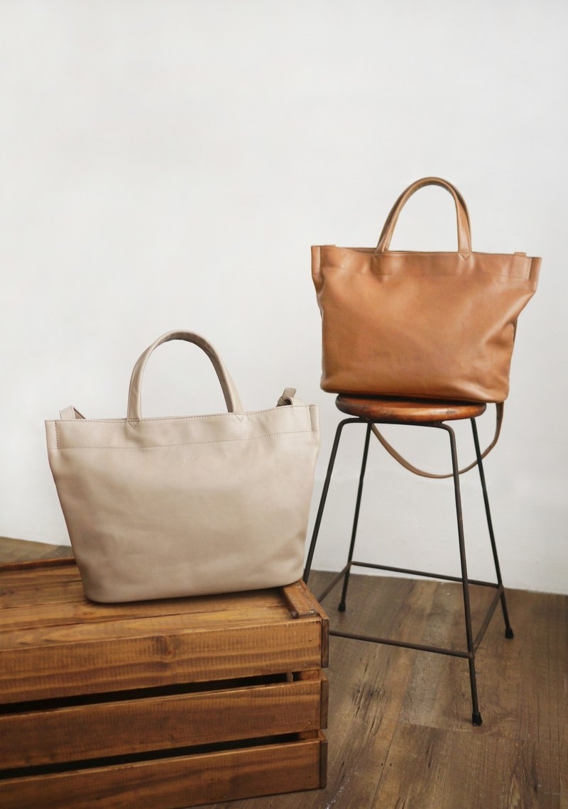 YURI temperament sheepskin tote bag (two colors) - caramel / powder snow gray