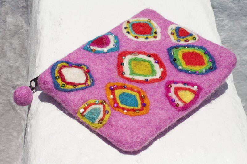 Wool felt small bag / storage bag / coin purse / leisure card holder / wool felt wallet- handmade beaded embroidery