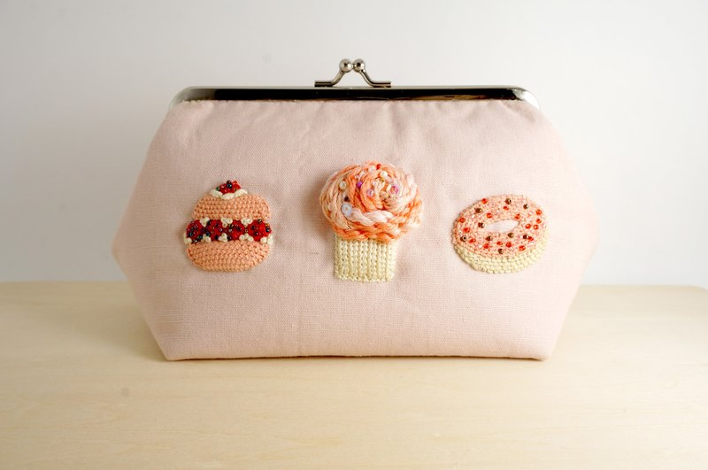 |Pink Sweety| Hand-ambroidered Clutch Purse Cosmetic Bag