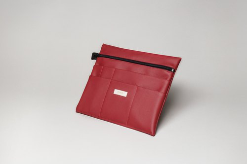 Large pouch in cherry red