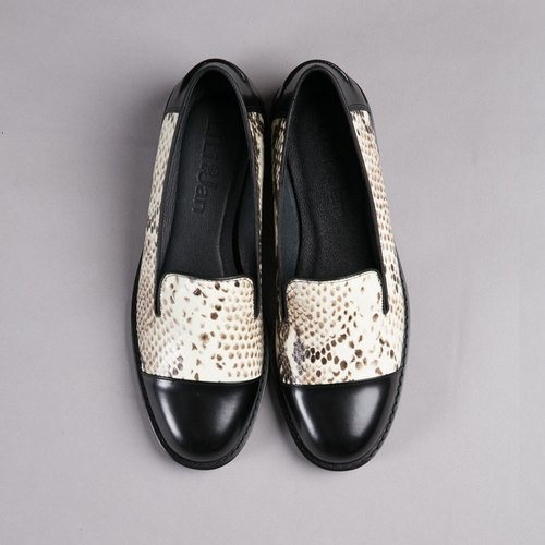 [Color] Intermittent mature whims leather loafers _ color serpentine