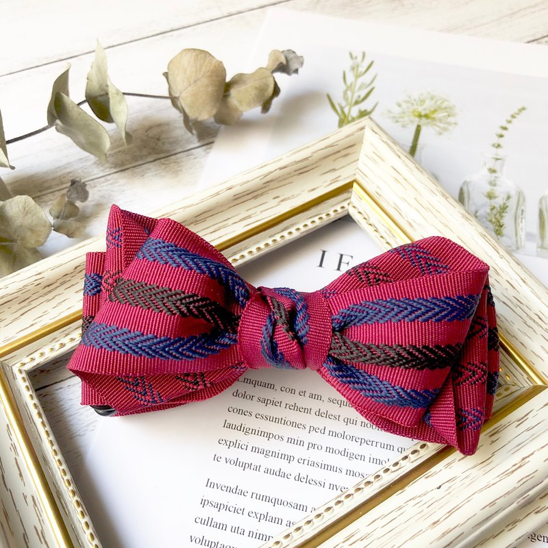 Classic striped bow intersecting clip / red