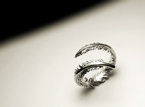 Small feather open ring