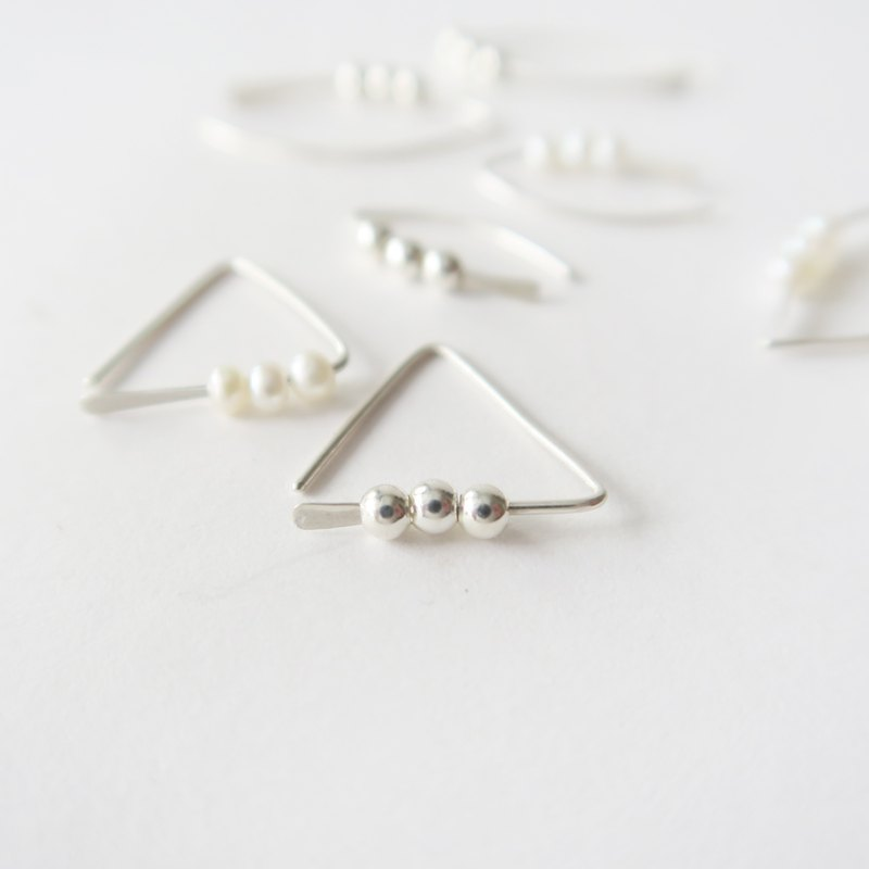 925 Silver Pearl Sterling Silver Beads-a Pair of Triangular Earring